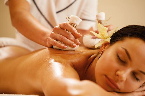 Massage: Vinoble Traubenkernsäckchenmassage