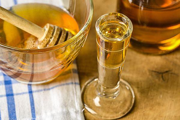 Packung: Vinoble Prickelnd Honig-Wein Packung