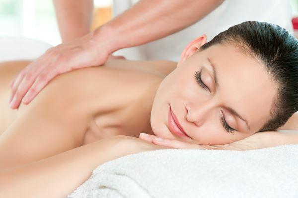 Massage crânien, nuque et dos