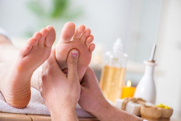 Massage réflexe plantaire