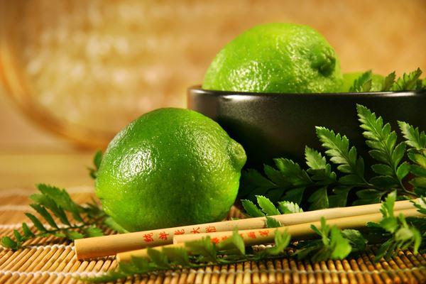 Enveloppement: Enveloppement citron vert-bambou